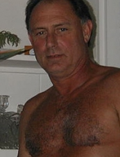 Paul 67 y.o. from USA