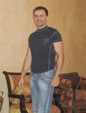 Alex 48 y.o. from UAE