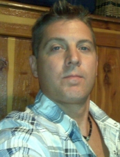 Robert 46 y.o. from USA