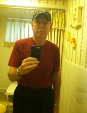 Robert 71 y.o. from USA