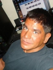 Robert 48 y.o. from USA