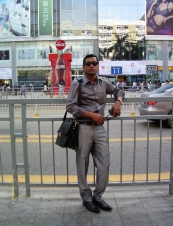 Tanvir 34 y.o. from Bangladesh