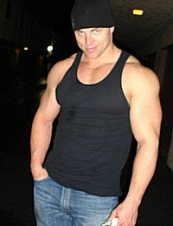 Todd 44 y.o. from USA